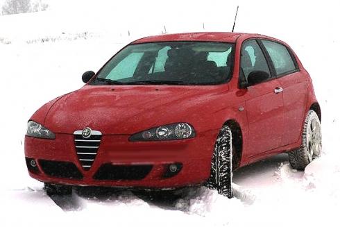 Горячая итальянская подружка (Alfa Romeo 147).