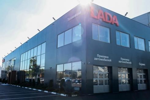 Компания «ТЕХИНКОМ» открыла самый большой дилерский центр LADA в Москве и Московской области