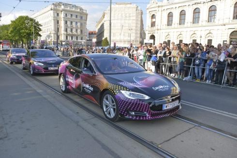 Участники Евровидения-2015 в Вене передвигаются на электромобилях